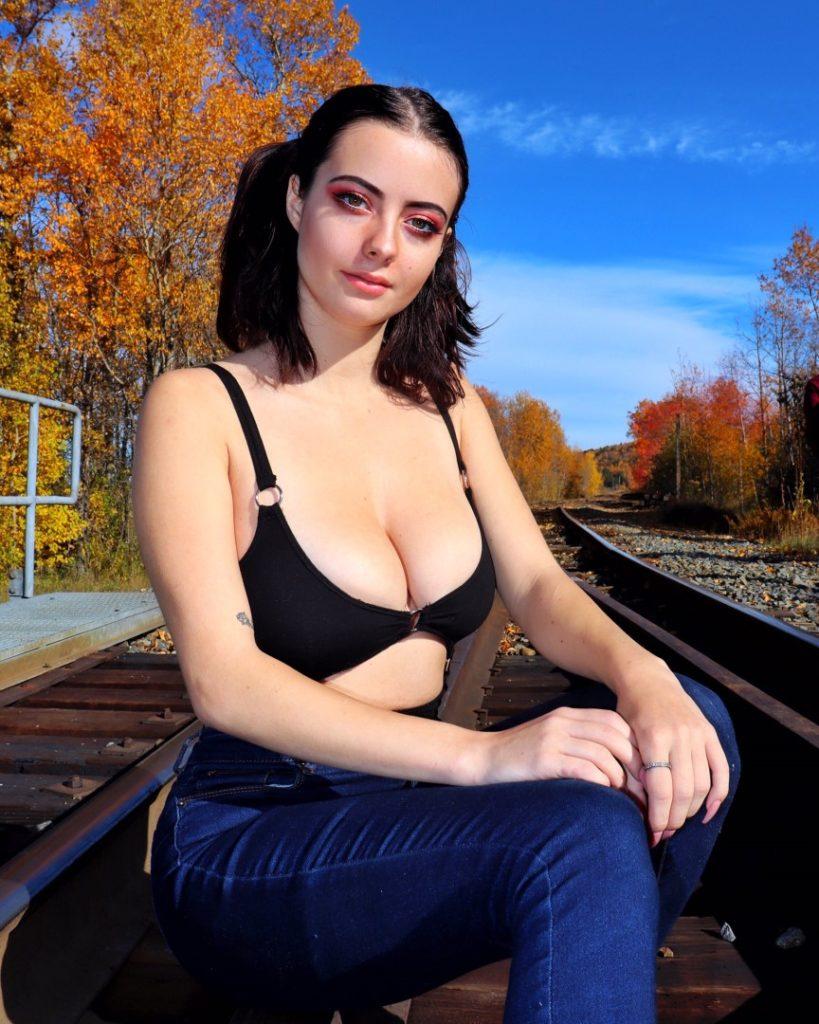 Julia Burch слив фото и видео эротика sexy erotic photo